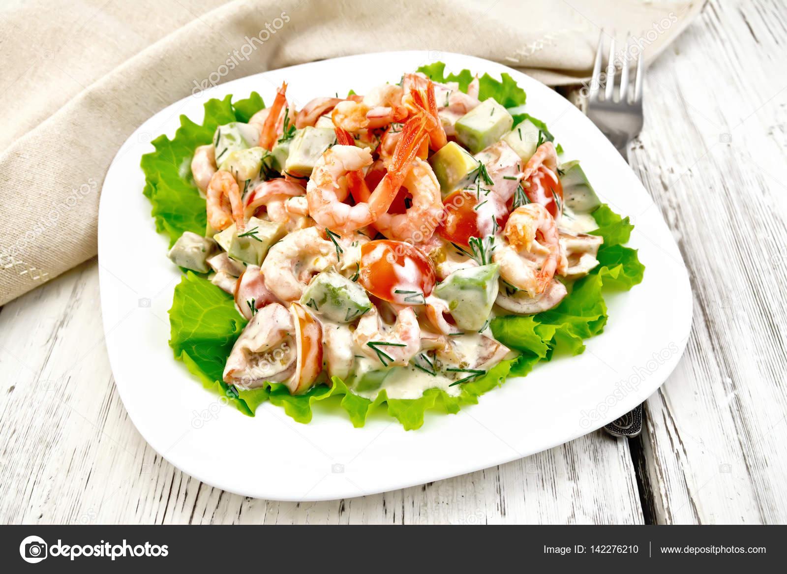 Салат с зеленью и креветками рецепт