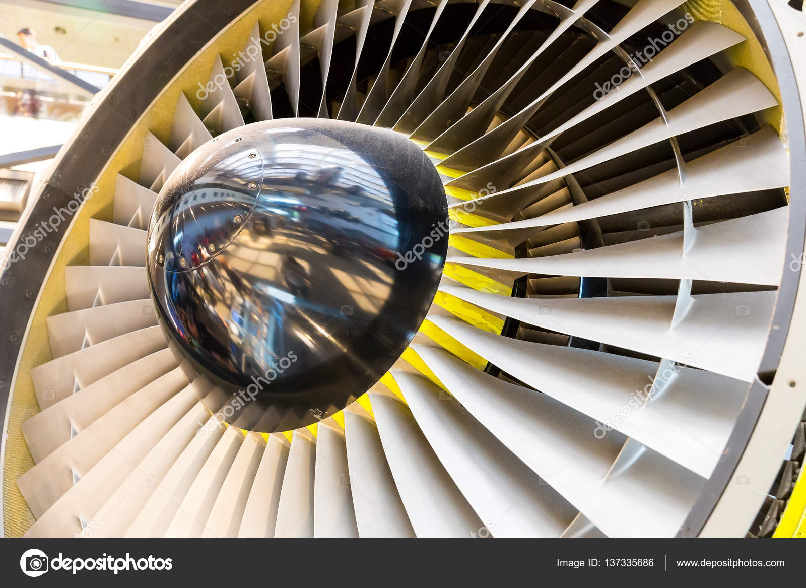 喷气发动机叶片特写.飞机涡轮技术— 照片作者 nomadsoul1
