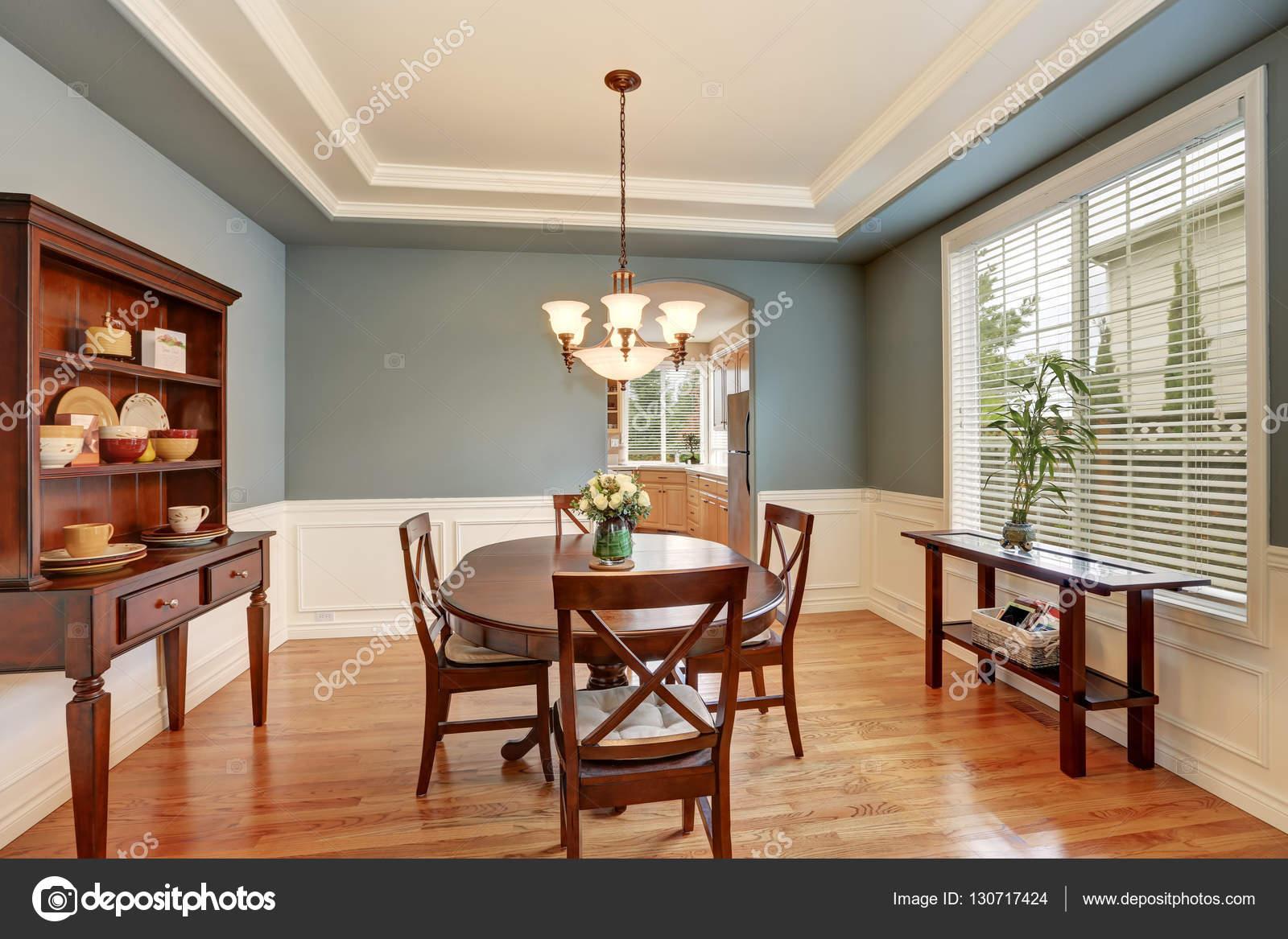 Sala da pranzo classica americana interno con le pareti verdi foto stock iriana88w 130717424 - Sala da pranzo classica ...
