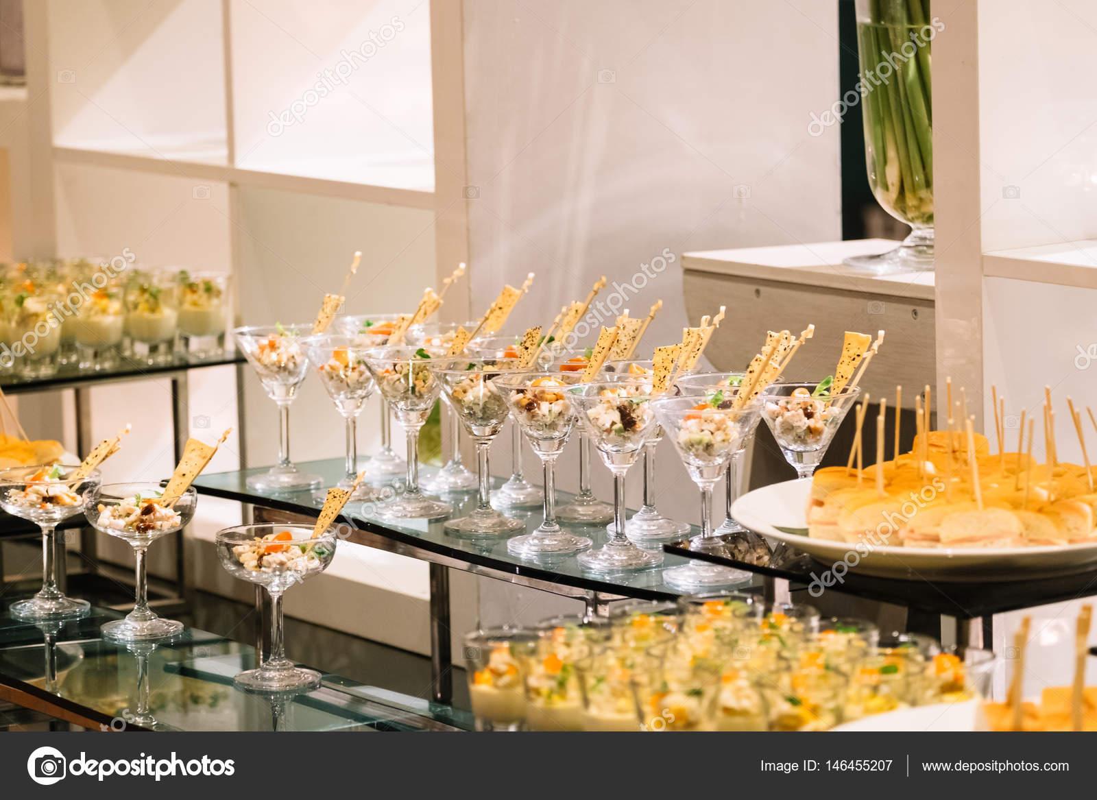 Cocktail-Party Dekoration — Stockfoto © Tanasan #146455207