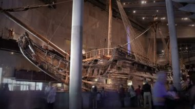 Lots of tourists to the interior of the Maritime Vasa Museum in Stockholm. Time Lapse.