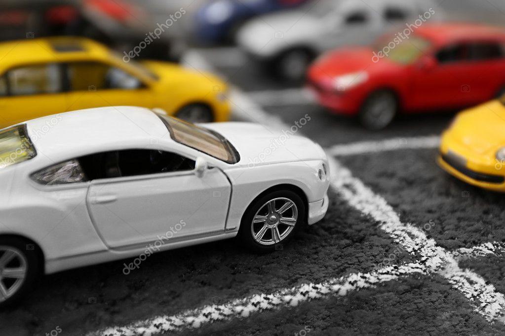 Cerca del parking de coches de juguete foto editorial de for Parking de coches