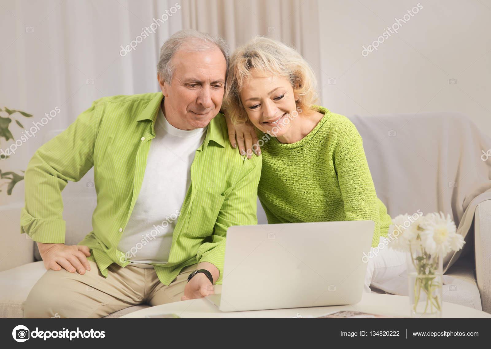 Супружеские пары по вызову фото 261-676
