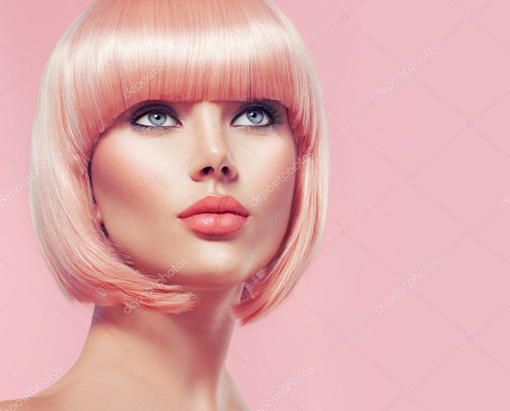 Девушка с короткими светлыми волосами фото