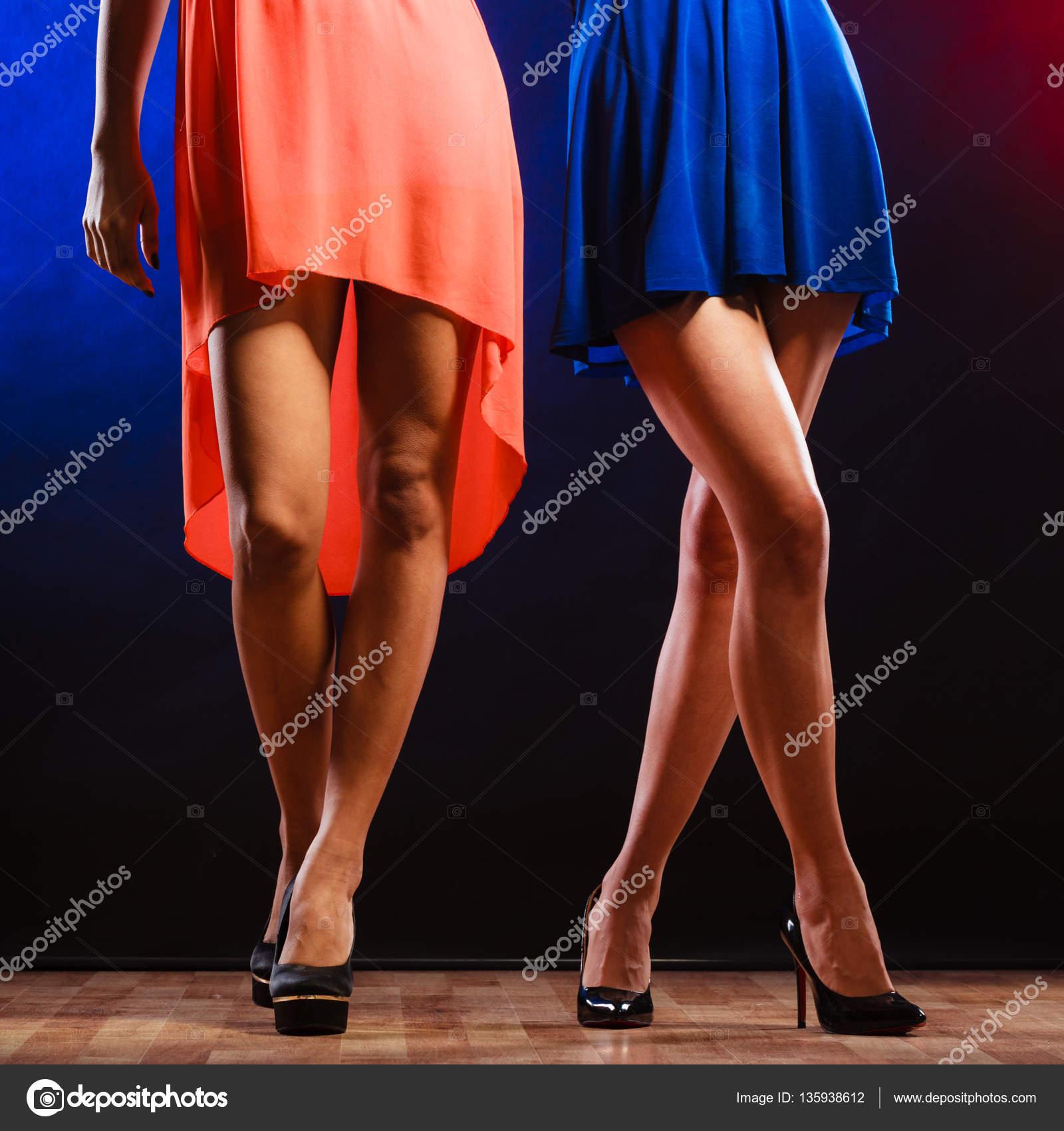 женские ножки в ночных клубах фото