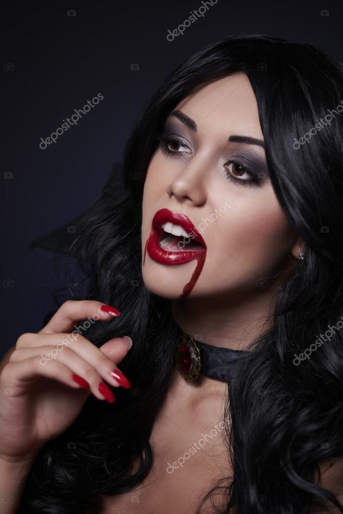 zhenshina-vampir-seksualno
