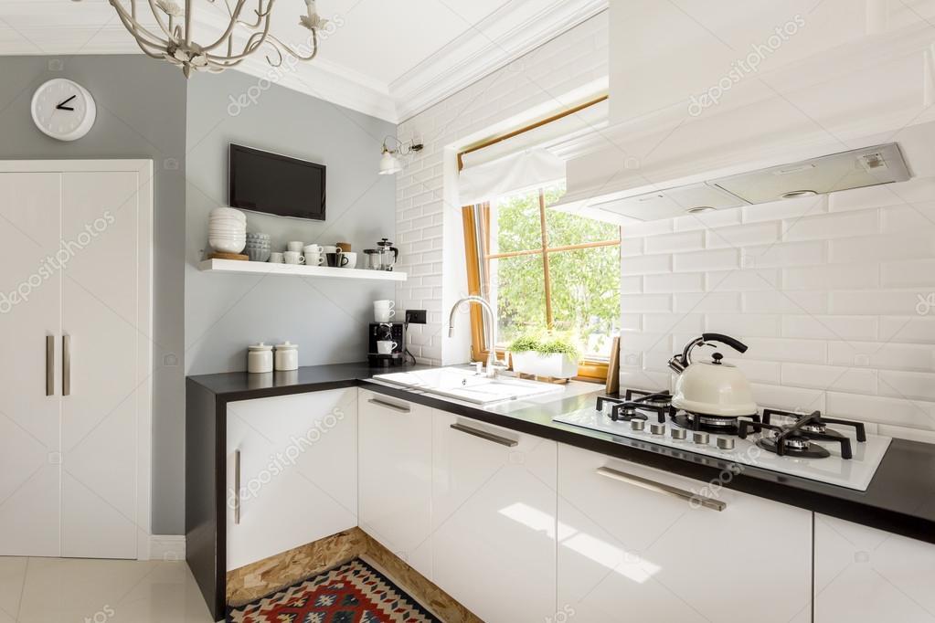 Open keuken met witte meubels — stockfoto © photographee.eu #128470262