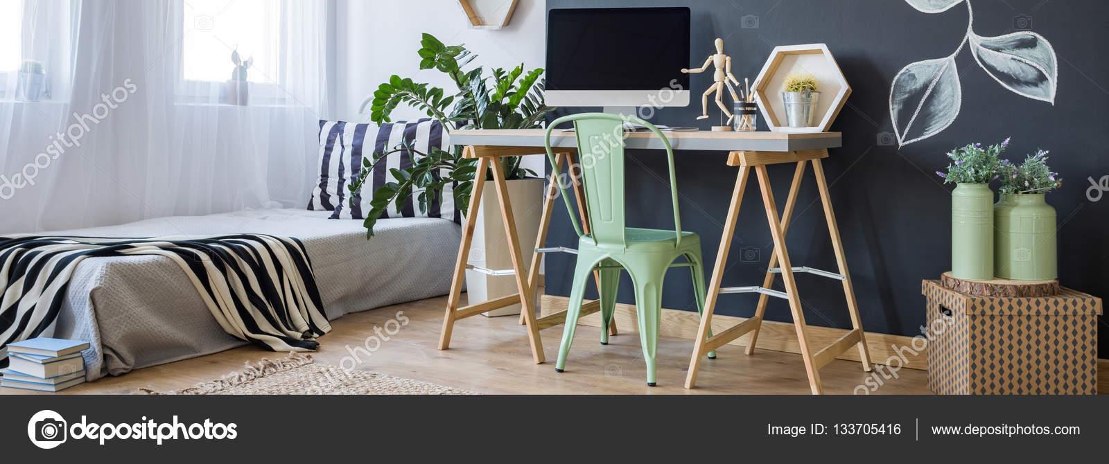 Hem kontor och sovrum inredning — stockfotografi © photographee.eu ...