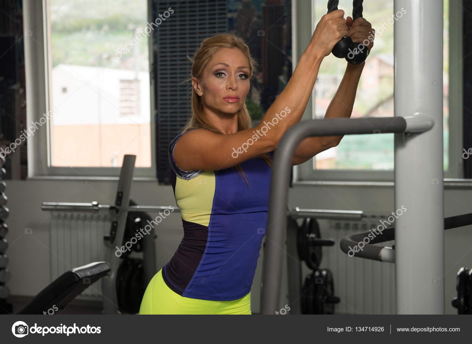 Madura haciendo ejercicio - 2 6