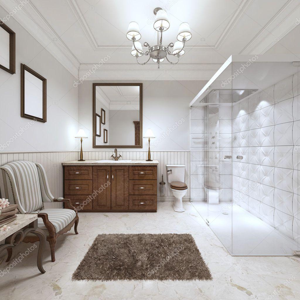 Ljust badrum i engelsk stil med stora glas dusch — stockfotografi ...