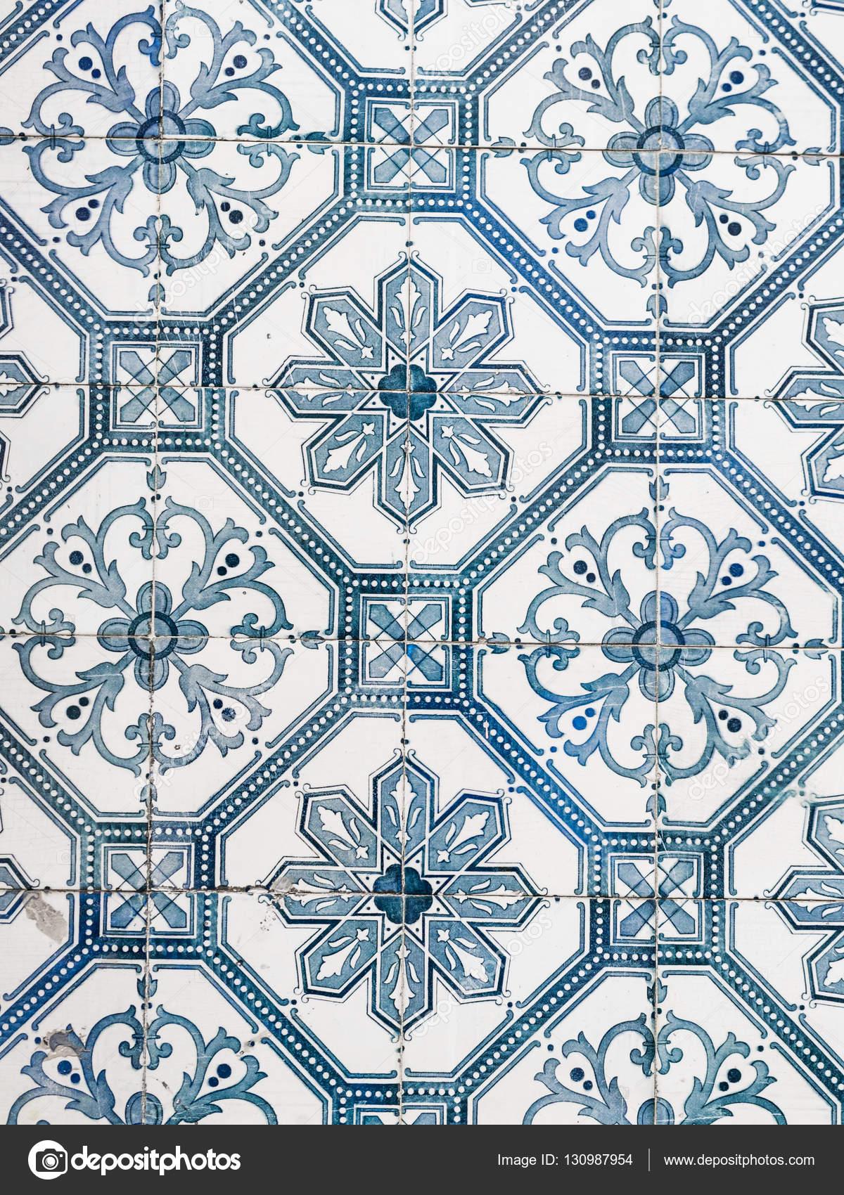 cer mica azulejos portugueses foto de stock 130987954