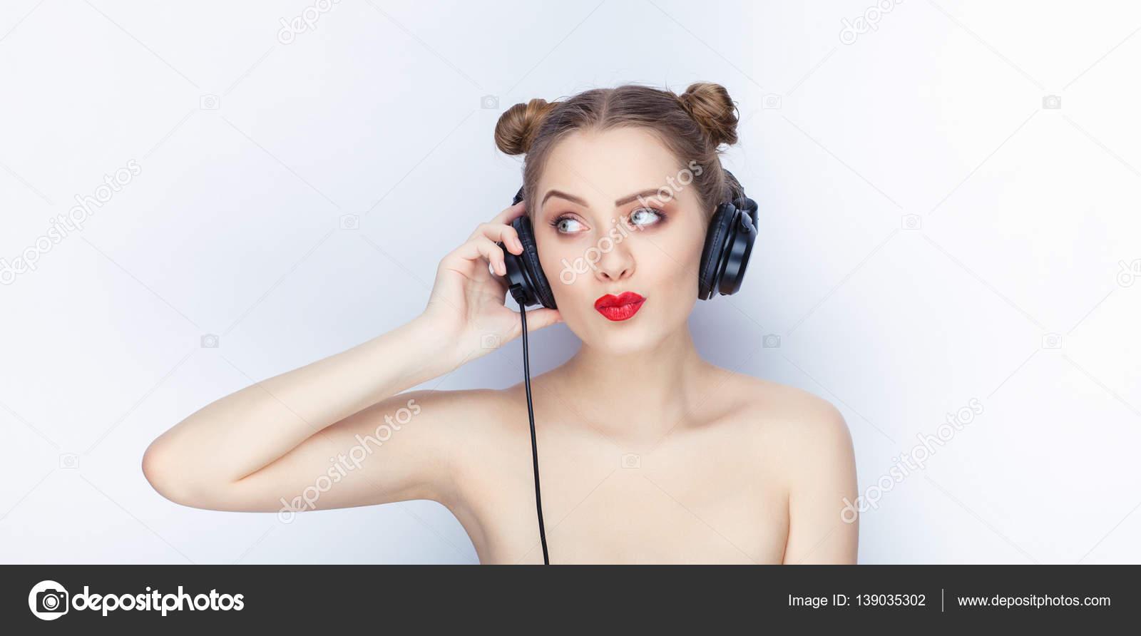 красивый голая девушка в моде видео