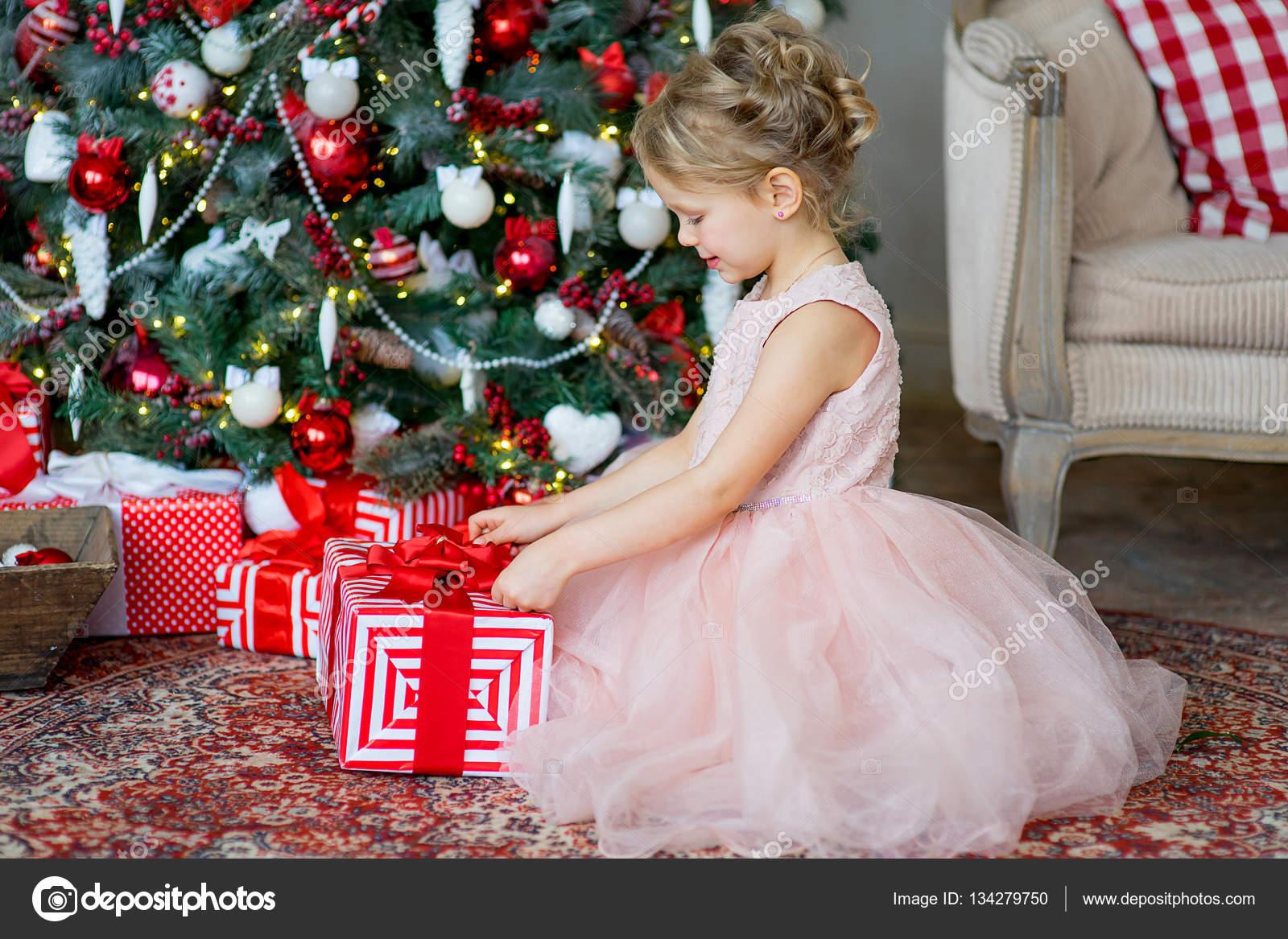Подарок маленькой девочки