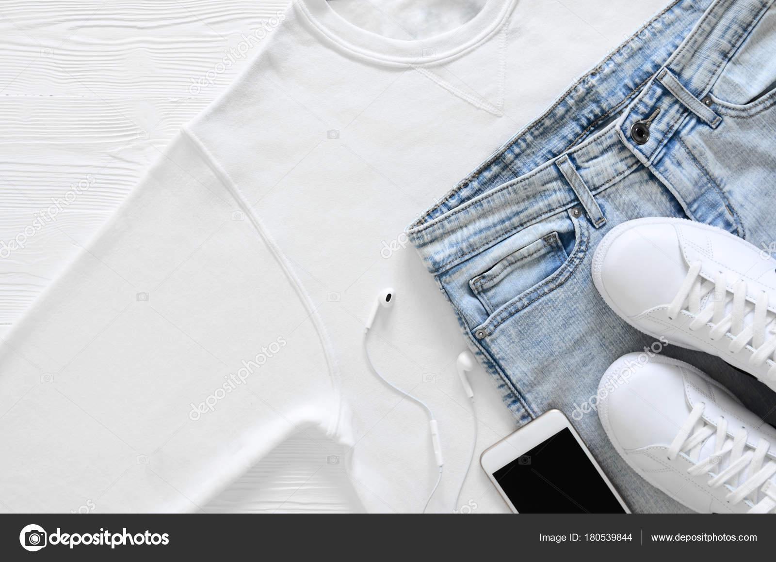 ヘッドホン ファッション 夏