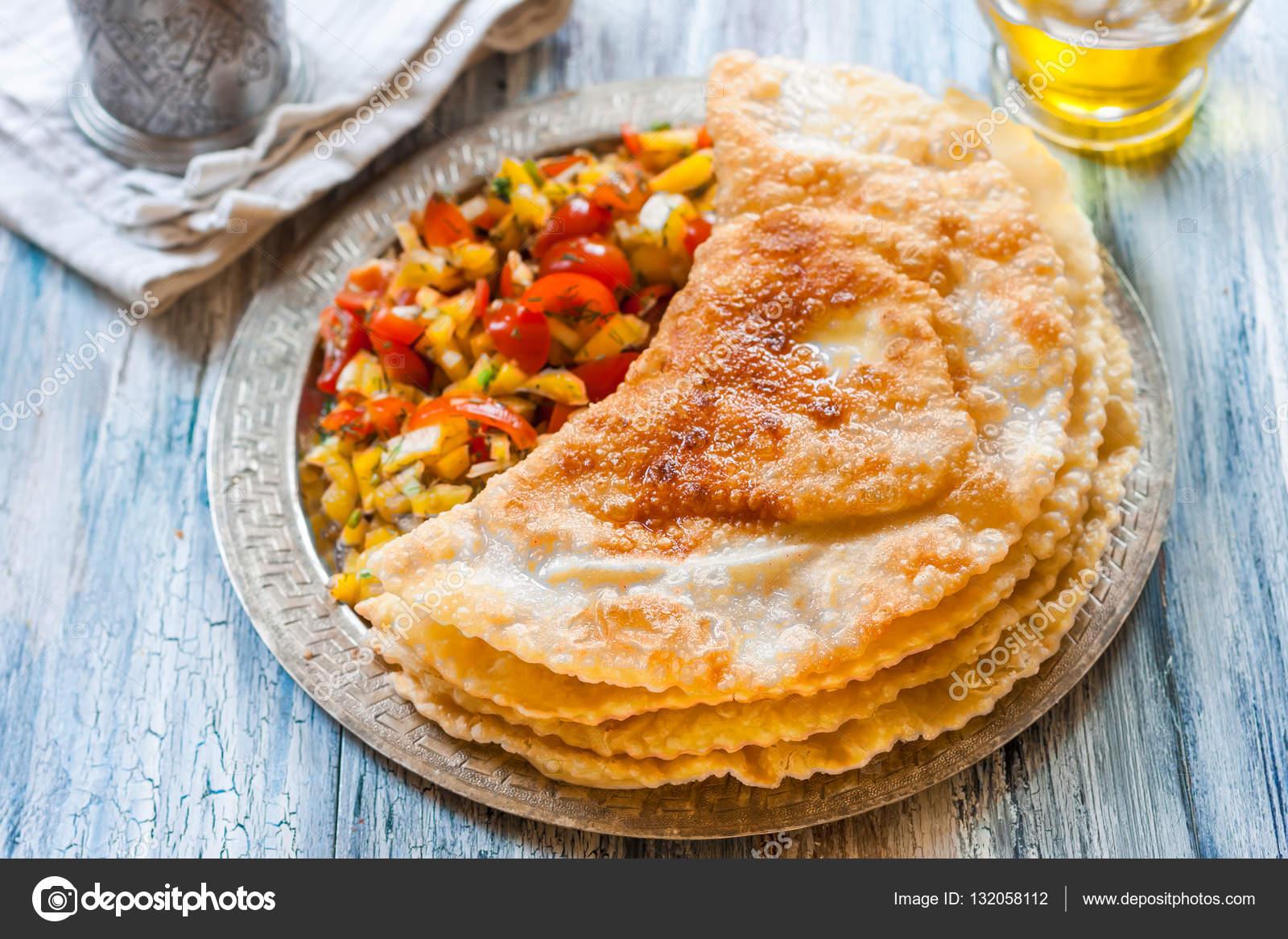 Вкусные крымские чебуреки рецепт пошаговый