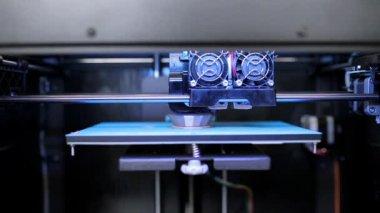 3D Printer prints square