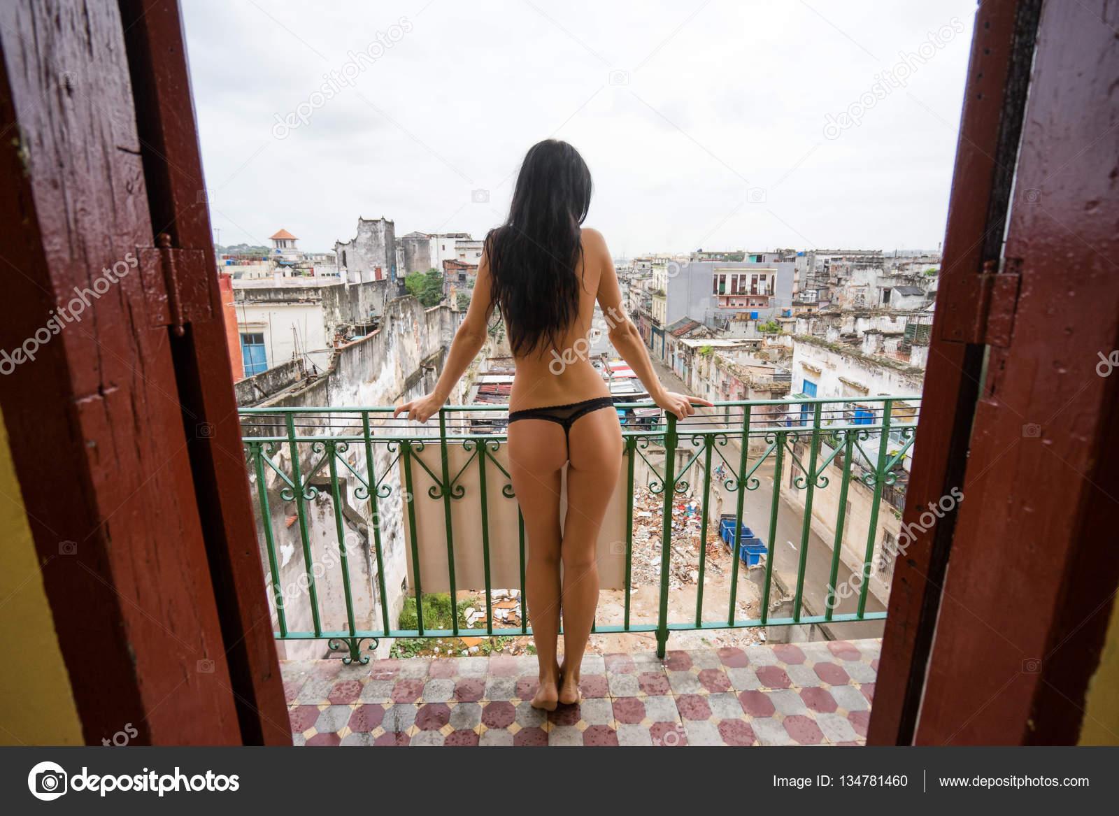 fotografii-visokih-golih-zhenshin