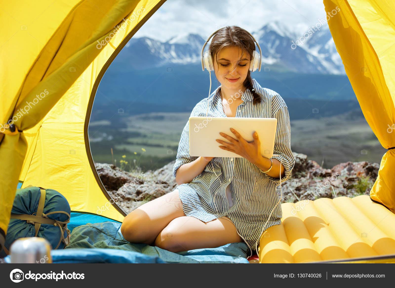 Красивые девушки с компьютером фото
