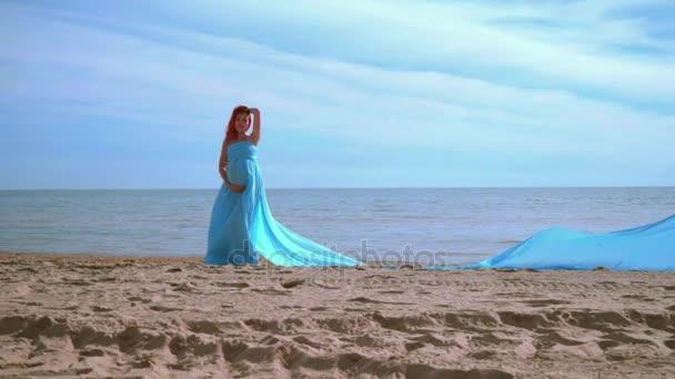 Видео женщин на море фото 615-135