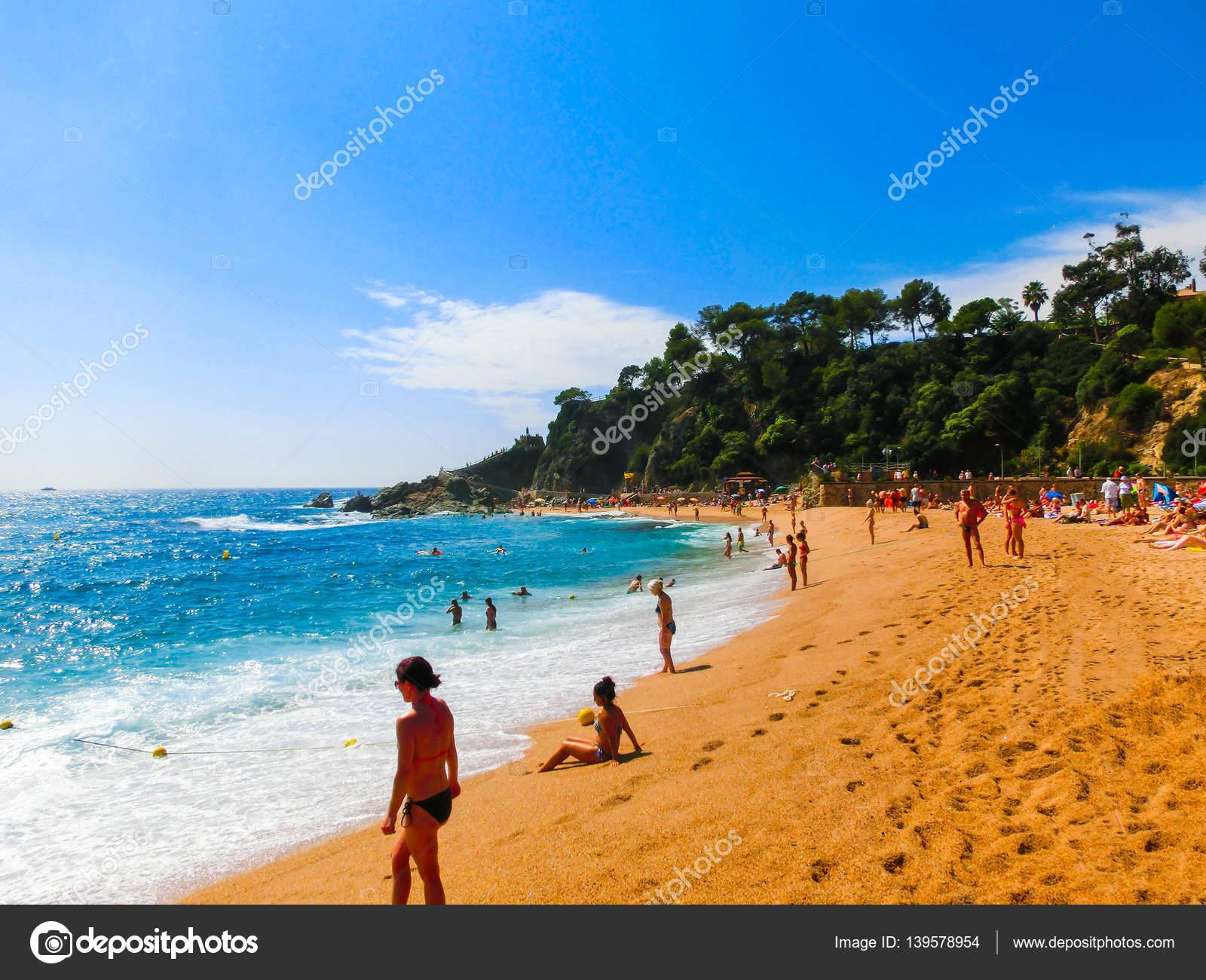 Нетерпением нудистские пляжи ллорет де мар тому