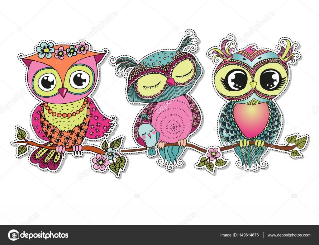 Arbol Con Ramas Animado: Tres Buhos De Colores De Dibujos Animados Lindo Sentado En