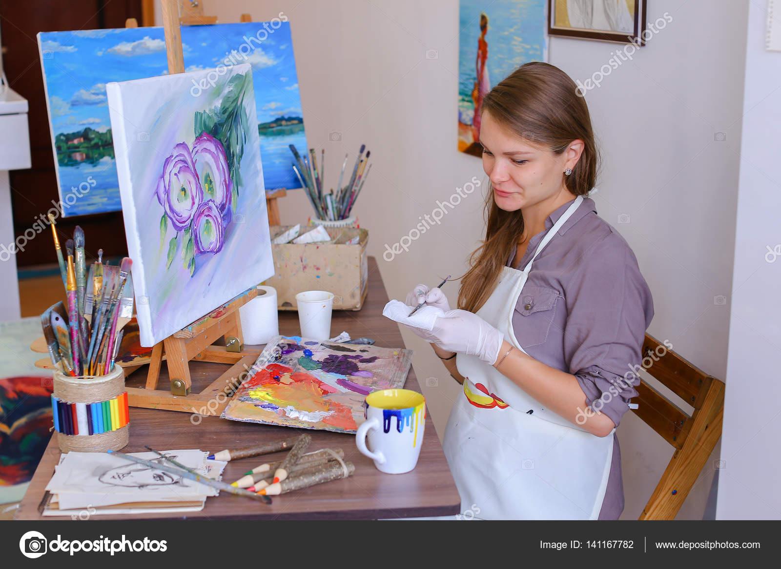 Девушки работа руками фото
