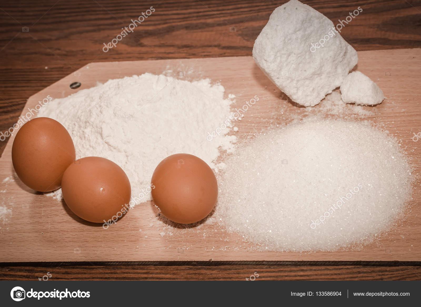 Что приготовить из муки и одного яйца
