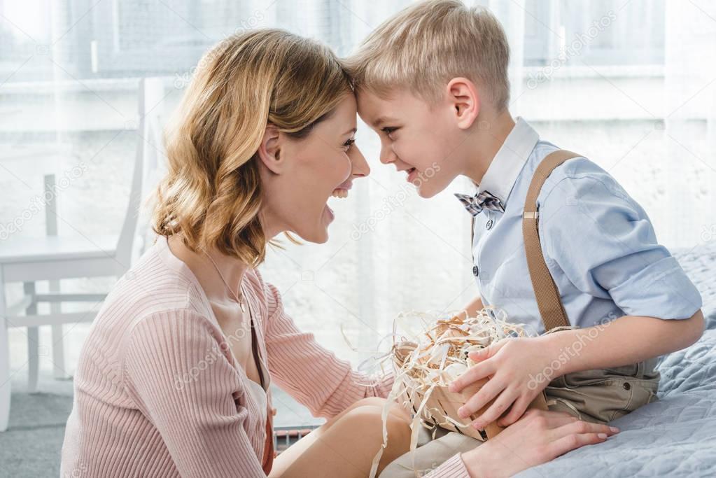 Мама и Сын - Порно Инцест Видео