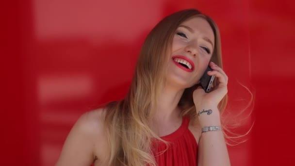Красивая сексуальная молодая девочка видео фото 11-583