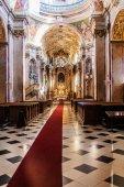 Interiér poutního kostela Panny Marie