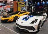 Las Vegas, Nv/Usa - 31 ottobre 2016: Due personalizzati auto Chevrolet Corvette a Specialty Equipment Market Association (Sema) Fiera 50th Anniversario auto. Stand: Byw