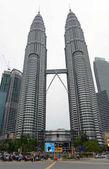 Petronas Towers, jakmile nejvyšších budov na světě jsou architektonické centrum kus etnicky a kulturně rozmanitých hlavní město Malajsie