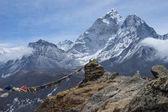 Ama Dablam horský vrchol v zamračený den, regionu Everest, Nepál