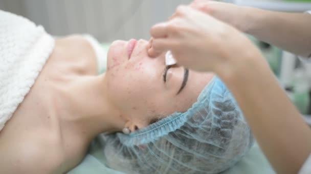 donna che riceve terapia purificante