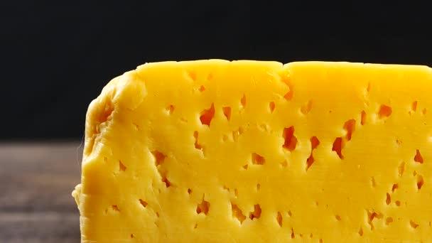 kousek sýra