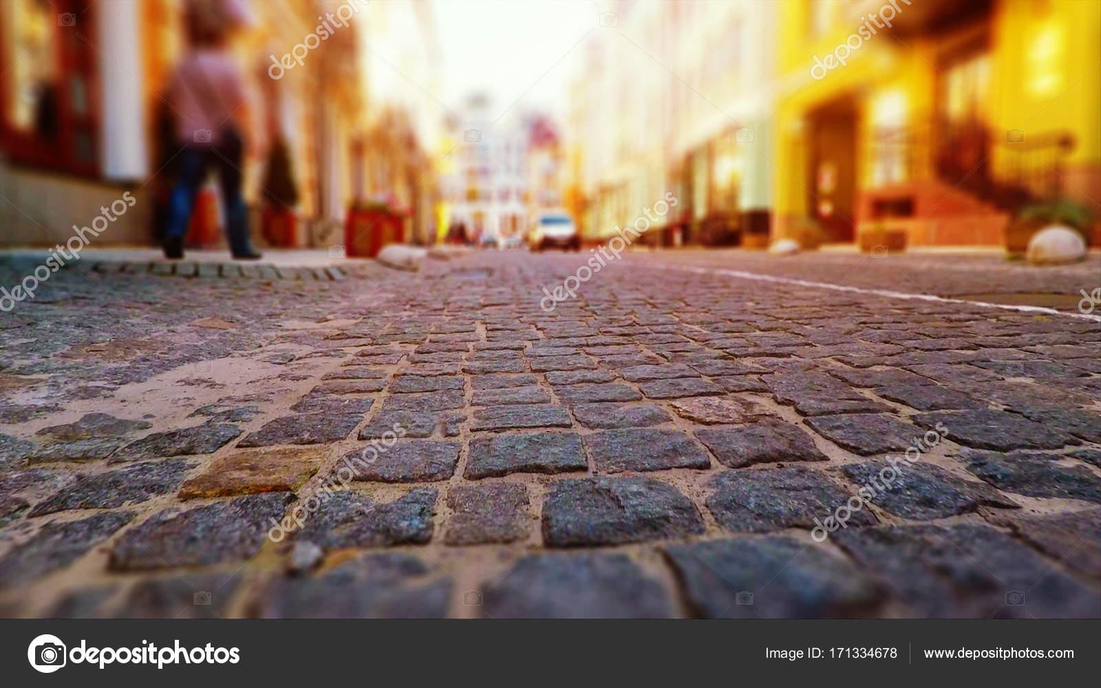 Oude stad straat in retro kleuren u stockfoto scanrail