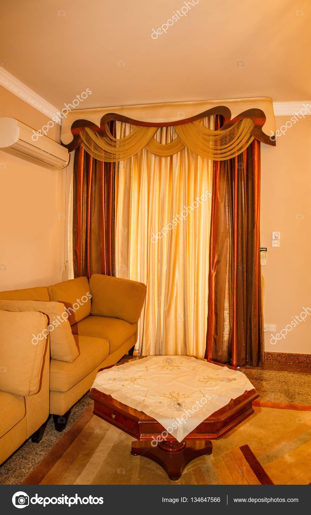 Salon marron et beige — Photographie ruzanna © #134647566