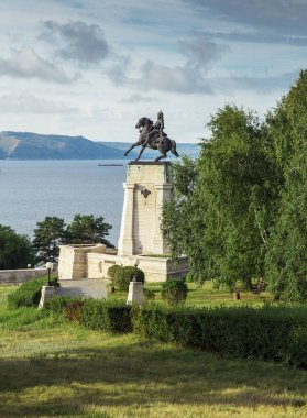 Monument of Tatishchev on banks of river