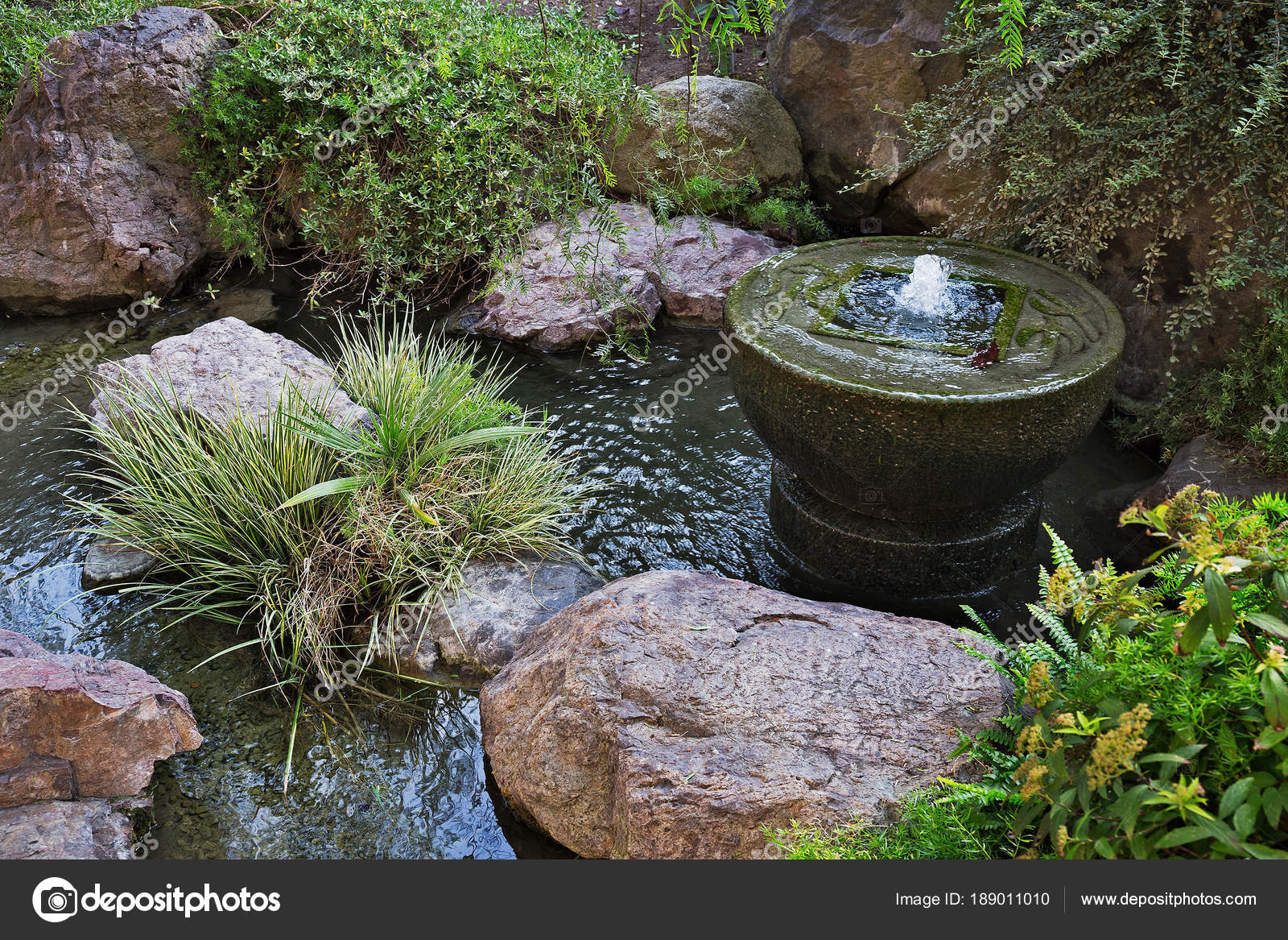 Fontaine Jardin Japonais Monte Carlo Monaco — Photographie Observer ...