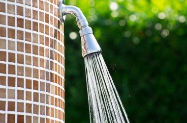 Tropical refreshing shower