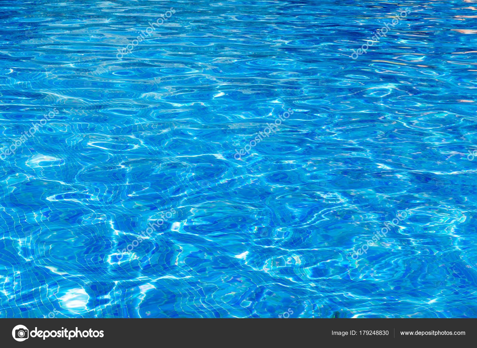 2cd506194591c5 Blauwe Zwembad Achtergrond Van Het Water Zwembad — Stockfoto ...
