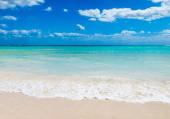 Fotografie moře pozadí. tropická pláž na Maledivách