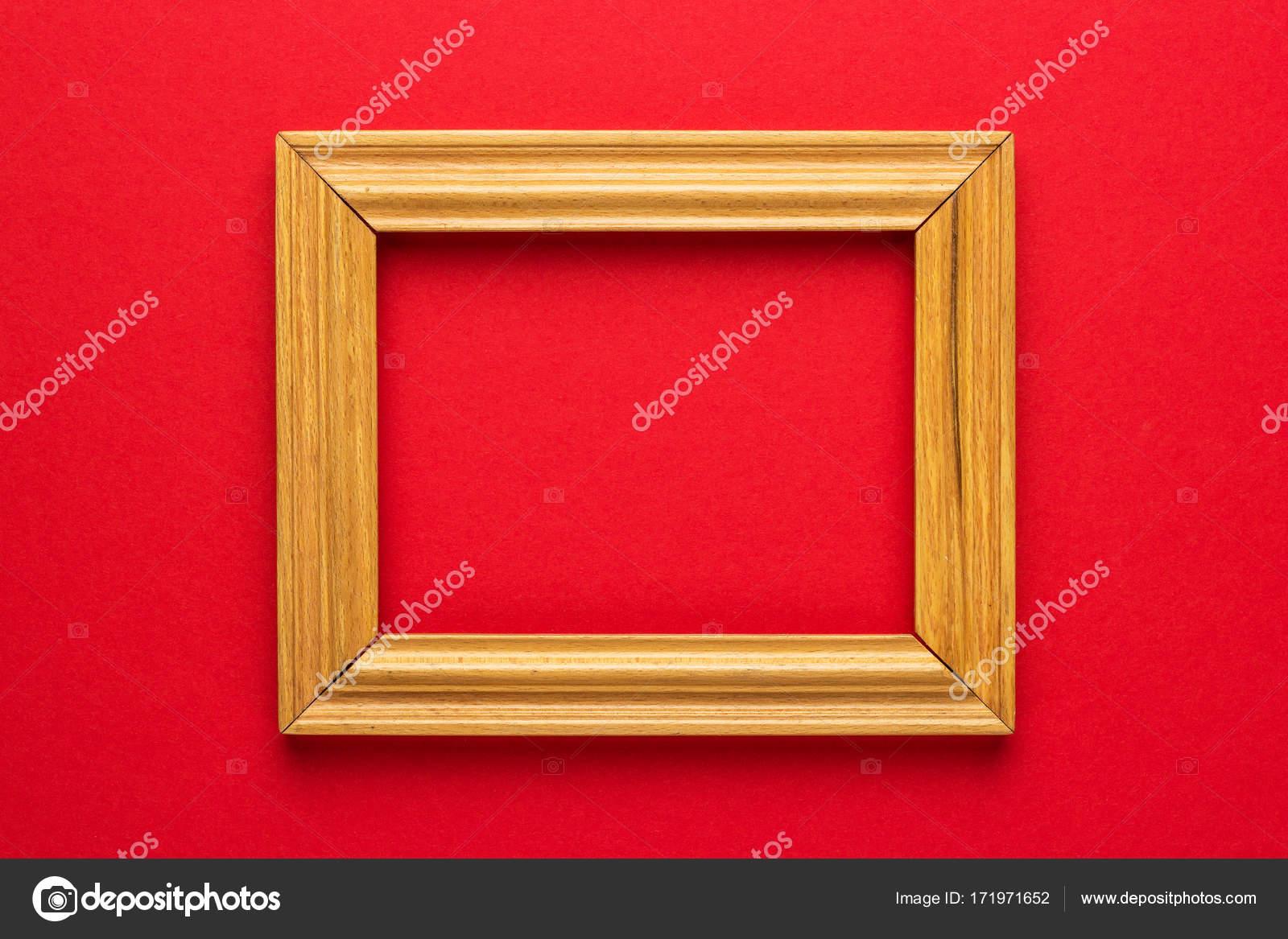 Holzrahmen auf rot — Stockfoto © garloon #171971652