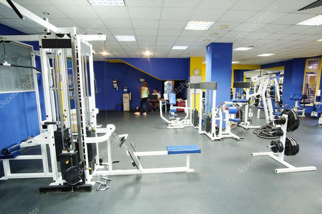 salle de fitness avec quipement de sport photographie uatp12 125336712
