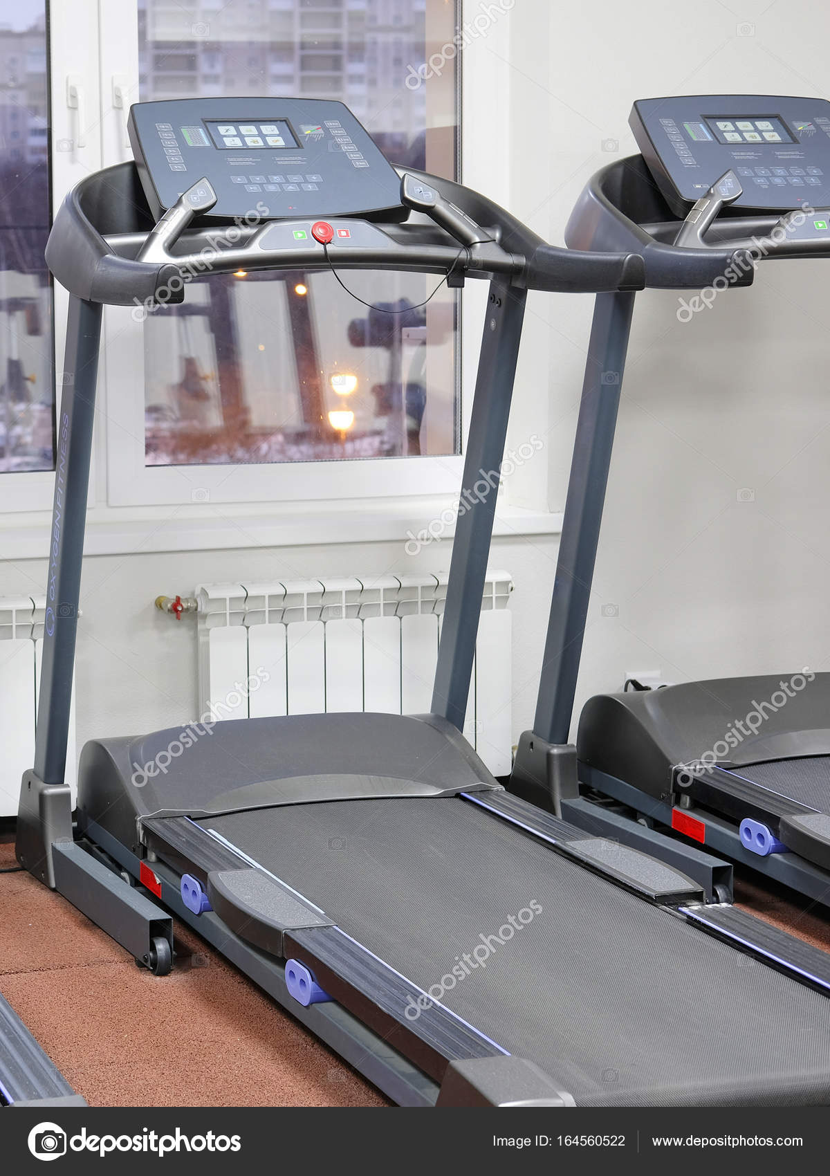 f7327906df0 Όργανα γυμναστικής στην αίθουσα γυμναστικής — Φωτογραφία Αρχείου ...