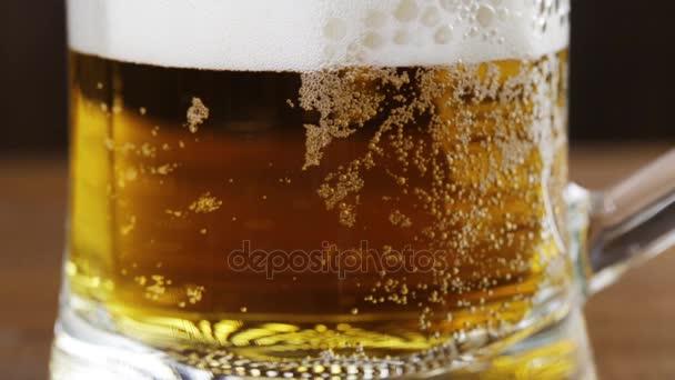 közeli sör buborék