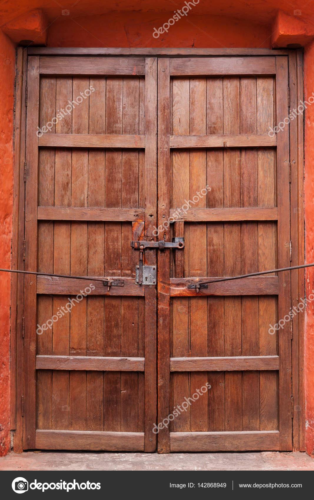 Vieux Portail En Bois closed wooden gate — stock photo © igterex #142868949