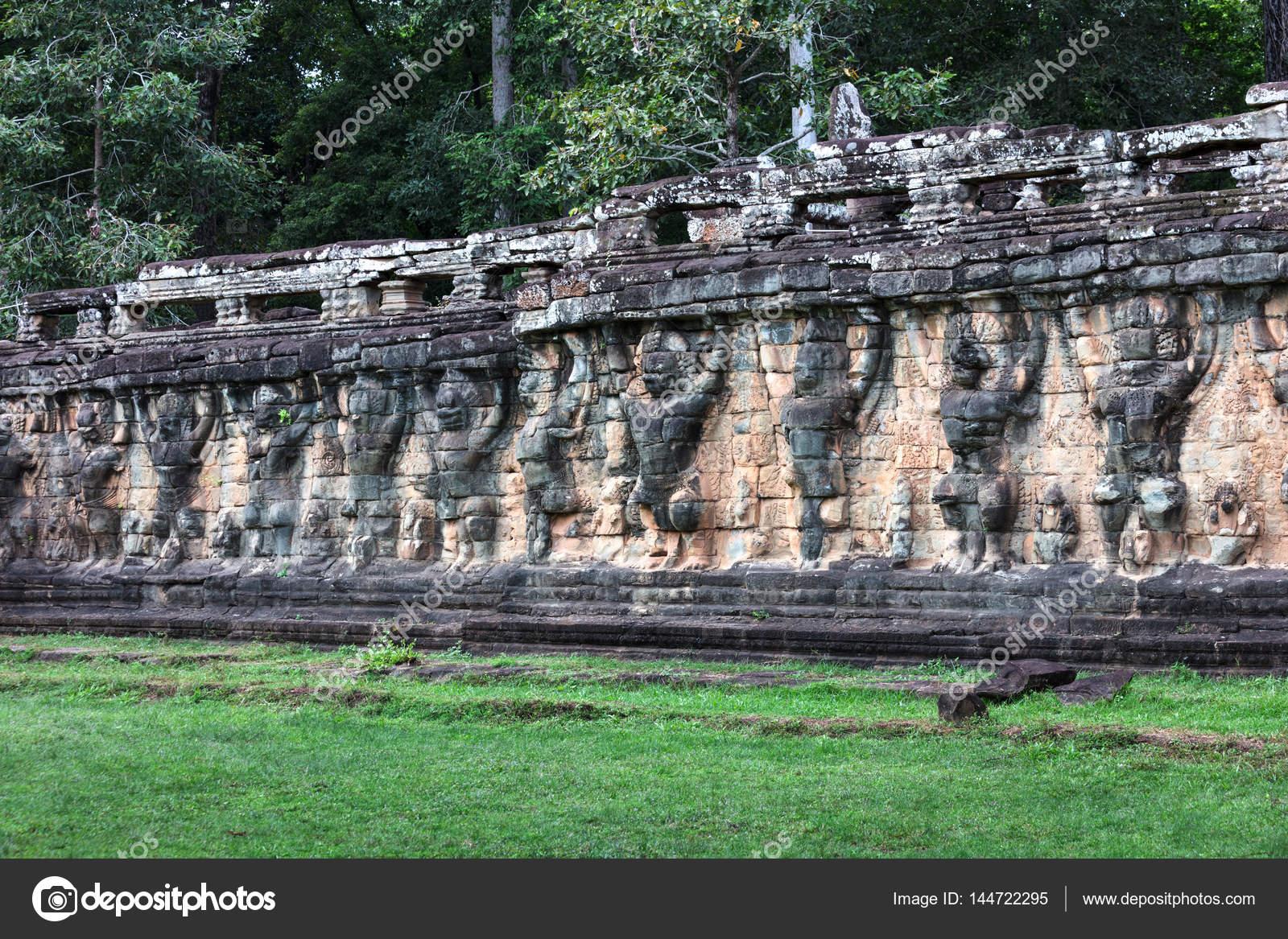 Terraza De Los Elefantes En El Complejo De Angkor Thom