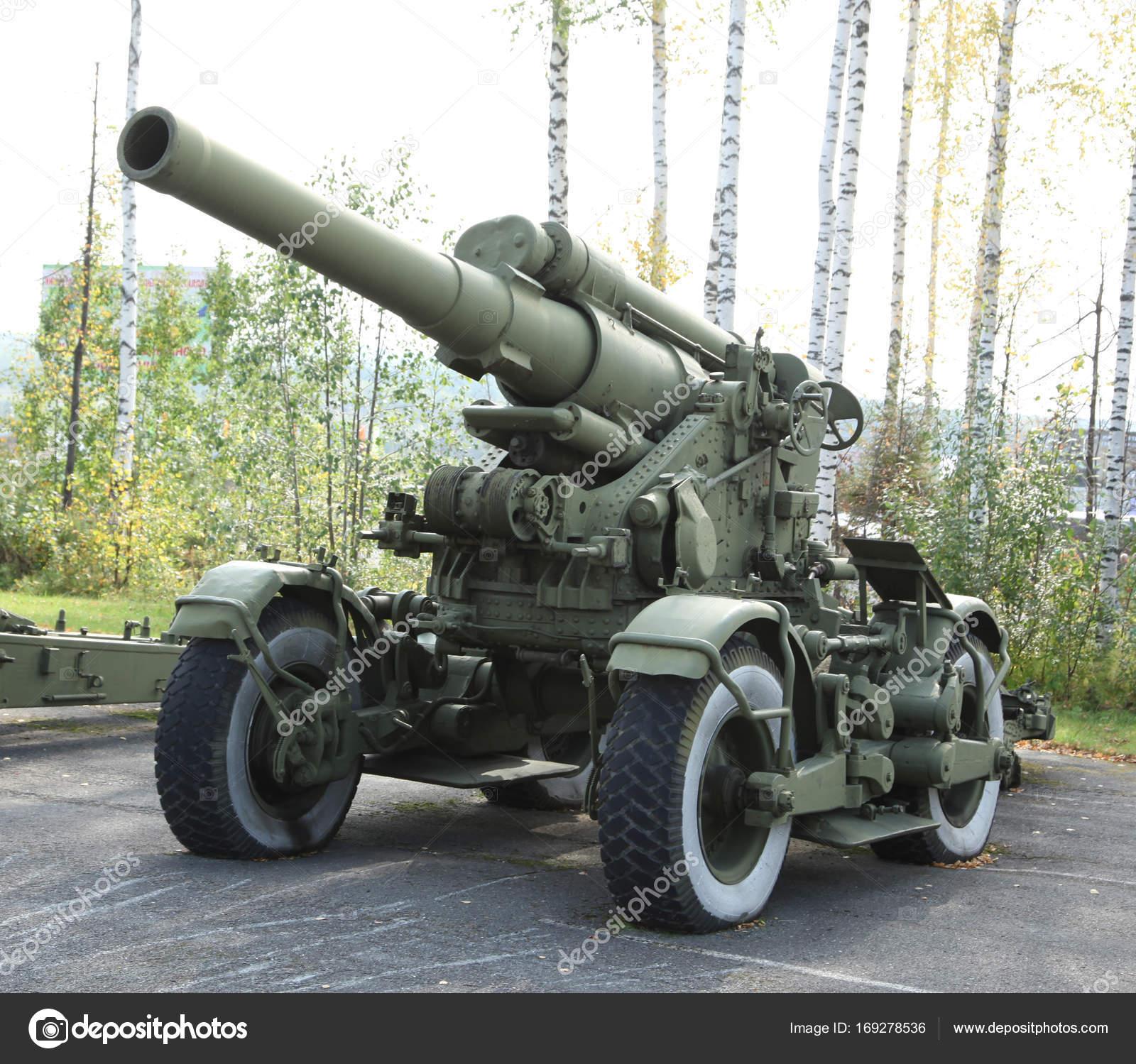 古い緑砲野砲の大砲 — ストック...