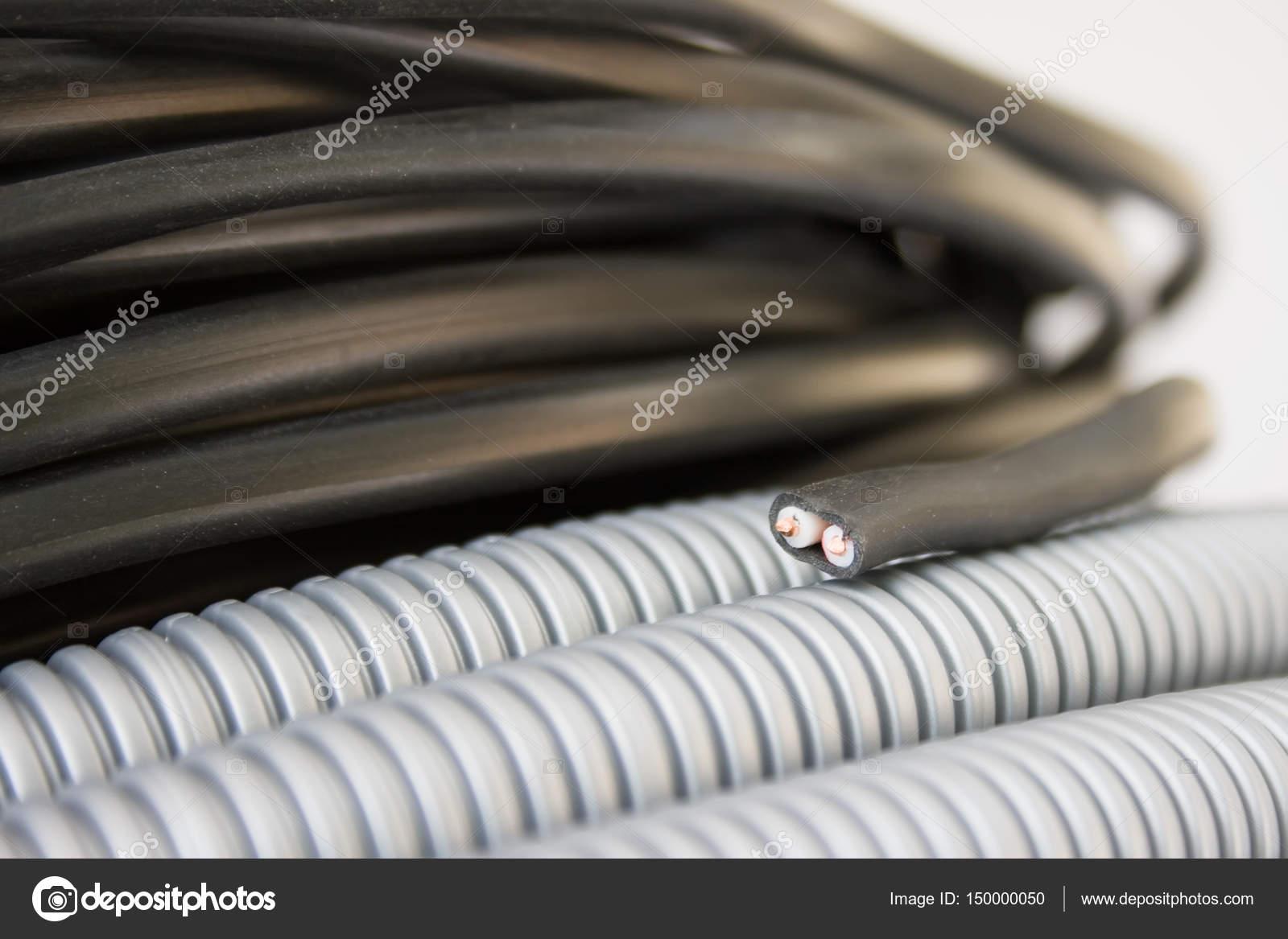 Elektrischer Draht und Wellung — Stockfoto © 3dfoto #150000050